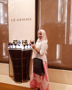 Parfume terbaru dari Bvlgari Plaza Indonesia#fashion#bvlgari#lifestyle#style#일상 #첫줄 #인스타그램 #선팔 #맞팔 #맞팔해요 #소통해요 #소통 #셀스타그램 #인친 #사진 #댓글 #데일리 #팔로우 #좋아요 #bloggerperempuan #cute #beautyblogger #blogger #kawaii #designer #dailycare #clozetteid
