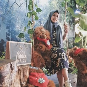 Make sure you visit @thebodyshopindo New Concept Store at @pvjofficial and play with the nature here!Last night i had a wonderful shopping experience on TBS PVJ and you can read about their biggest store in Indonesia on my blog. Link on bio 🌱#TBSnewconceptstore #TheBodyShopIndonesia#lifestyleblogger #beautyblogger #beautyenthusiast #clozetteid #vsco