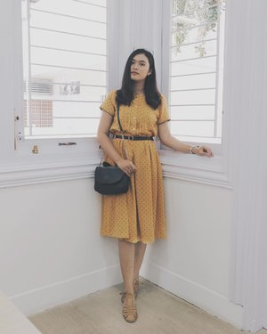 A cute corner from @wardahbeautyjogja New Look 🍂🍂🍂 . . . . . . #clozetteid #starclozetter #jogjabloggirls #deniathlylooks #lookbookindonesia #looksmagazine #ootd #ootdindo #ootdyk #cgstreetstyle #ggrepstyle #style #fashionblogger #wardahbeautyjogja #yogyakarta