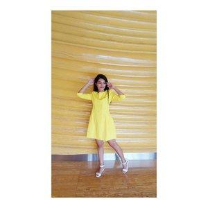 Yellow mellow... .Pas belum siap udah di potok ajah...hehe. maaf ya bakal spam photo keseruan kmrn 😀 kuningan banyak spot photo bagus yaa 😍....#ootd #instafashion  #makeupartist #muajakarta #makeuppreweding #makeupwedding #glammakeup #photography #pose #cosmetic #lipstick  #highlighter #blushon #brushset #travel  #blogger #vlogger #influencermarketing  #style  #localproduct #cosmetic #bestproduct #koreaskincare #clozetteid #clozettepotw #yellow #dress