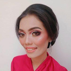 Model on duty..💖 MUA @siti_ultra . . . . . DM for inquiries or collaboration  #model #talent #makeup #clozetteid