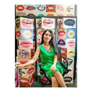 Don't sweat the small stuff~ Richard Carlson . . . . .  #ootd #instafashion  #makeupartist #muajakarta #makeuppreweding #makeupwedding #glammakeup #photography #pose #cosmetic #lipstick  #highlighter #blushon #brushset #travel  #blogger #vlogger #influencermarketing  #style #lipstic #localproduct #cosmetic #bestproduct #sephora #senayancity #greendress #clozettepotw #ClozetteId