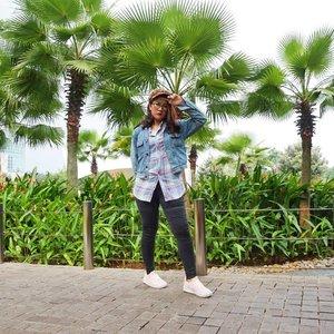 Ootd mengakali badan yg melebar 1x1 sama sisi . . . .  #clozetteid  #boutique #shoplocal #smallbusiness #shopsmall #liketkit #toms #tomsshoes #igstyle #fashionkiller #mylook #todayimwearing #outfitpost #ootdmagazine #personalstyle #styleinspo #stylediaries #realoutfitgram #falloutfit #ltkunder100 #shoesaddict #bloggerstyle #shoeslovers #womenstyle #shoesoftheday #fashioninsta #womenfashion #womenswear #womensstyle