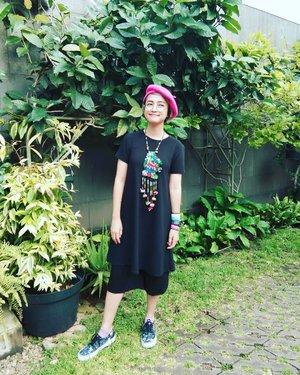 Feels good When the universe let me know about the truth :) . Tumben kan gue pake baju item? Hahahaha . . 📷 @arianirosidi . #stylieandfoodie #livelovelifelaughlust #blogger #bloggerceria #tetapsemangat #365post2019 #ootd #clozetteid #stylie #therealoutfitgram #styledaily #dailystyles #streetstyle #realoutfitgram #thestreetograph #looksootd #lookbookindonesia #fashionblogger #styleblogger #style #fashion