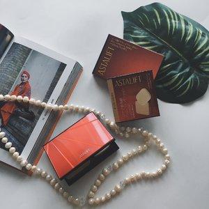 Pertama kalinya nih nyobain foundation yang teksturnya powder dari @astalift_indonesia, tungguin review lengkapnya di blog aku ya 💕 #ClozetteID #makeup #astaliftindonesia #photogenicbeauty #ClozetteIDReview #AstaliftIndonesiaXClozetteIDReview