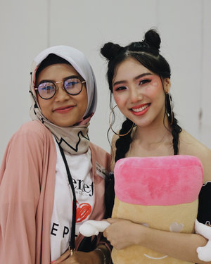 Throwback to all the fun we had at #beneproid2018 event with @benefitindonesia & @sephoraidn 💖Makeup by @liaa_ellia Hair @ghdhairindonesia Outfit @topshop @dorothyperkins_indonesia