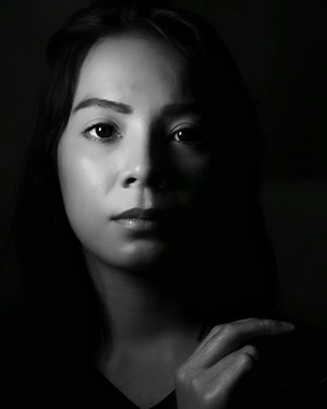 Have fun!  i'm still working, babe! . . . #blackwhitephotography #buleipotan #satnite #portraitphotography #clozetteid