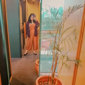 Instagrammable spot at the office ✔️ Color coordinated outfit with flower pot ✔️ Barefaced sleepy, also ✔️ #ootdindo #outfitoftheday #lookoftheday #fashion #fashiongram  #clothes #wiw  #instafashion #outfitpost #ootdfashion  #ootd #todaysoutfit #fashiondiaries #clozetteid
