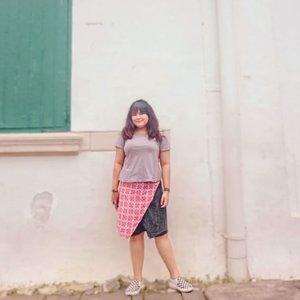 Hanya @budiartiannisa yang bisa bikin kebantetan gue difoto berkurang 🤪✊ #travelling #traveller #travelblogger #staycation #cityexplore #ootdindo #outfitoftheday #lookoftheday #fashion #fashiongram  #clothes #wiw  #instafashion #outfitpost #ootdfashion  #ootd #todaysoutfit #fashiondiaries #clozetteid