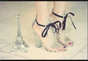 Love that beautiful Eiffel shoes 👠
