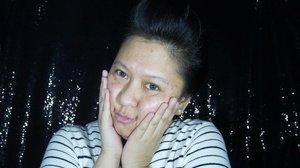 Press ▶️ Current Favorite Products for my COMPLEXION 😚 • Primer : @clioindonesia PRE-STEP Egg Pore Primer • Foundation : JAFRA Royal Jelly Radiance Foundation SPF 20 - Nude • Blush On (as an eyeshadow as well) : JAFRA Long Wear Crème Blush - Cashmere Mauve • Powder : @pondsindonesia BB Magic Powder • Bronzer : @toofaced Chocolate Soleil Bronzer ~ Thanks a lot @yanita_skincare for sending me JAFRA ❤️ ~ #CLIOindonesia #JAFRA #JAFRAindonesia #JAFRAcosmetics #PONDSPowderPower #PONDSMagicPowder #TooFaced #ToofacedChocolateSoleil  #ClozetteID #MakeupLover #makeuplovers #makeupartist #makeupjunkie #makeupblogger #beautylover #beautyblog #mua #beautygram #beautybloggerpage #indobeautygram #indobeautyblogger #beautybloggerindonesia #BeautyBloggerIndo #lumixindonesia #100daysofmakeup #tampilcantik  #makeuptutorial