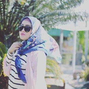 *foto lama bangkit kembali* 😁13.02 🙏#feb13thstyle #13022019 #clozetteid #andiyaniachmad #lifestyleblogger #februarybaby #hijabstyle #hijabtraveler #wheninsingapore #lisnamotret