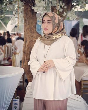 Tugas negara menanti esok hari 💪 semoga berkah 😊#clozetteid #stylediary #hijabfashion #ootd #andiyaniachmad #styleoftheday #lifestyleblogger #saturdayvibes