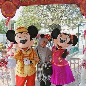 Happy CNY  #mickeymouse #minniemouse #disneyland #disneylandhk #discoverhongkong #hongkongtrip #explorehk #traveldiary #letsgosomewhere  #aroundtheworld #MCjalanjajan #MChongkongtrip #travel #clozetteid