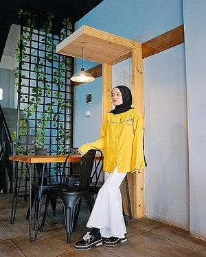 Destiny is something we've invented because we can't stand the fact that everything that happens is accidental....#beautiful #ootd #cafe #yellow #hijab #hijaboutfit #lookbookindonesia #ootdindo #ootdfashion #ootdfashionhijab #hijabstyleindonesia #fashionblogger #lifestyle #photooftheday #clozetteid #ziligo #zalora #zaraindonesia #zara
