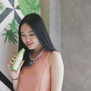 I'm in love with this #RejoicePerfumeShampoo 😍 Meskipun sudah seharian beraktivitas rambutku tetap wangi and fresh, wangi bunga peonya berasa banget!! Berasa pakai perfume dengan aroma French peony seharian, mucho love for this shampoo 🙈💖 #clozetteid #beautynesiamember