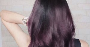 """Proof That """"Eggplant"""" Is the Hair Color Trend That Looks Sexy on Everyone"""