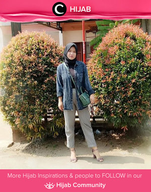 Styling grey pants with a black shirt, denim jacket, and heels. Simak inspirasi gaya Hijab dari para Clozetters hari ini di Hijab Community. Image shared by Clozetter: @revanisanabella. Yuk, share juga gaya hijab andalan kamu