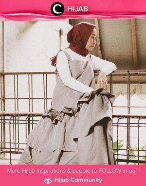 Clozetter @Fillyawie berbagi cerita tentang hobi berbelanjanya. Untuk menyiasati budget, ia selalu berbelanja ketika season sale dan memilih item dengan desain klasik agar mudah diaplikasikan dengan outfit lain. Simak inspirasi gaya Hijab dari para Clozetters hari ini di Hijab Community. Yuk, share juga gaya hijab andalan kamu.