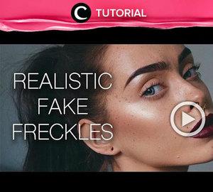Masih bingung cara tepat untuk membuat fake freckles yang realistis di wajah? Cek tutorialnya di : http://bit.ly/2F8dfuU. Video ini di-share kembali oleh Clozetter @dintjess. Cek juga tutorial lainnya di Tutorial Section.
