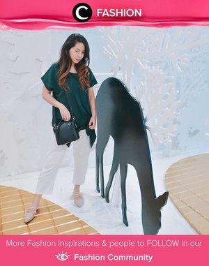 Yes to the mix of forest green top and white pants! Simak Fashion Update ala clozetters lainnya hari ini di Fashion Community. Image shared by Clozetter @carolinekosasi. Yuk, share outfit favorit kamu bersama Clozette.
