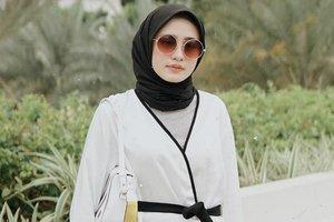 Padu Padan Busana Outer dan Hijab