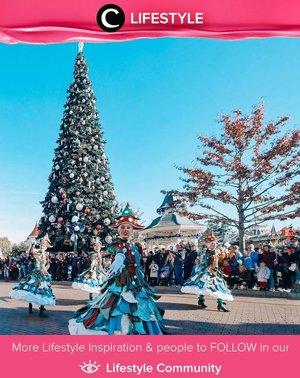 Disneyland memang selalu punya tempat tersendiri di hati para peggemar karya Walt Disney. Siapa yang berencana liburan ke Disneyland tahun ini? Simak Lifestyle Updates ala clozetters lainnya hari ini di Lifestyle Community. Image shared by Clozetter @lindaleenk. Yuk, share juga momen favoritmu.
