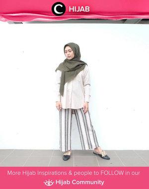Outfit terbaik versi Clozetter @irmahakim : loose shirt berwarrna netral, striped culottes, hijab poly cotton dan sepasang mules! Simak inspirasi gaya Hijab dari para Clozetters hari ini di Hijab Community. Yuk, share juga gaya hijab andalan kamu.