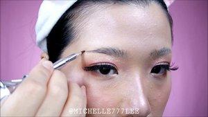 Here you go, the Feathered Brows Tutorial, enjoy~ 😘.Product Used:❤Random Bar Soap❤#benefitbrows Ka-Brow Cream-Gel Brow 4❤#benefitbrows 3D Browtones Subtle Brow-Enhancing Highlights 4.........#TeamAbel #BrowBeachCampSea#ivgbeauty #indobeautygram #makeuptutorial #wakeupandmakeup #undiscovered_muas  @tampilcantik #tampilcantik #ClozetteID #ibv #tutorialmakeup #ragamkecantikan @ragam_kecantikan #inspirasicantikmu @zonamakeup.id @makeup.tutorial.asian