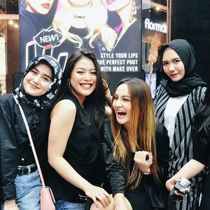 One measure of friendship consist not in the number of things friend can discuss, but in the number of things they need no longer mention 😽😽#clozetteid #tribepost #fdbeauty #bdgbb #beautybloggers #