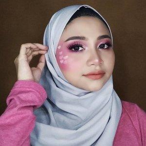 Ad yang mau tutorialnya gak ?.Pink Valantine ❤️💕❤️💕..Gemesshhh pengen coret coret wajah , biar gak bosen yah 😹..Product used @eminacosmetics , Moisturizer@pixycosmetics , Dewy Cushion@milanicosmetics , brow Pomade@catrice.cosmetics , eyeshadow liquid#beautyglazedeyeshadow @maybelline , eyeliner @catrice.cosmetics , mascara black@qlcosmetic , eyeliner cair@wardahbeauty , eyeliner pencil white@makeoverid , Countour kit@aleysiabeauty , lipcream aladeit..@cerita.cantik , @buat.cantik #livingcoral2019 @bunnyneedsmakeup @tutorialmakeupkece @indobeautygram @wakeupandmakeup @tips__kecantikan @makeuptutorialindo.#likeforlikes #valentinemakeup#instadaily #ootd #instamakeup #biodermahydrabio#makeup #instamakeup #toptags @top.tags #cosmetic #cosmetics #likes #concealer  #eyebrows #lashes  #beauty #beautyantusiat #beautybloggermakassar #beautybloggerindonesia #makassar #pixycushionmakassar #brushfocallure #socobox #Uswahmakeuptutorial  #Clozetteid #pixycushionmakassar #cushionpixymakeitglow #makeupforbarbie #makeupaddict #makepgirlz