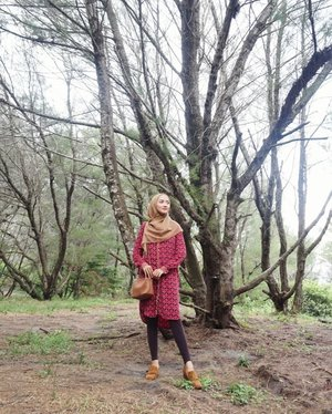 Experience the sounds and sensations of nature🌿🌿 //Wearing my favorite shirt dress from @zara that I wear multiple times for any occasion!!..#hijablook #hijabstyle #hijaboftheday #hotd #outfitoftheday #OOTD #clozetteID #style #streetstyle #styleinspo #stylish #stylista #instastyle #womensfashion #fashion #instafashion #fashionable #fashiondiaries #fashionstyle #streetfashion #lookbook #WIWT #whatiwore #whatiweartoday #explorebantul #beach