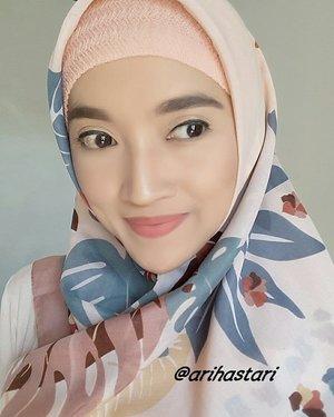 My fave color is 🍑P.E.A.C.H🍑..#natural #beauty #beautyblog #beautyblogger #makeup #makeupmafia #makeupbyme #makeupaddict #makeupoftheday #motd #koreanlook #etudehouse #innesfree #sephora #makeupforever #maybelline #thebalmcosmetic #colourpopcosmetics #clozetteID #hotd #hijablook #stylehijab #fashionhijab #dressyourface #lookamillion #ilovemakeup #mattelips #shading #contouring #blush