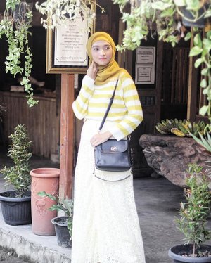 I L💛ve this basic long-sleeve striped knit from @tokichoi_sea that I wear all the time in winter because it's cozy enough..#clozetteID #ootd #outfitoftheday #outfitshare #outfitinspo #outfitpost #outfitstyle #style #stylebyme #stylediaries #streetstylefashion #streetfashion #fashion #fashionstreetstyle #lookstyle #wiwt #whatiwore #whatiweartoday #hotd #hijabinspiration #hijabstylist #FindItOnZalora #ZaloraStyleEdit #tokichoi_sea #tokichoi