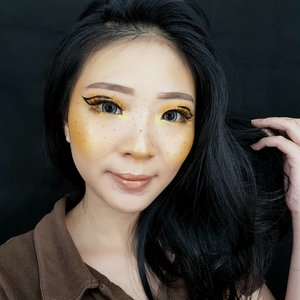 Yellowish Skin!! . Inspired @kimberleymargarita_ . I never thought about creating a full yellow makeup look like this, but @janineintansari makes me feel yellow is cute! 😂😂 So i decided to use yellow color for this look. . Btw, im using contact lens from @davinciolshop Thank you for sending me this lovely lens ❤ . . . #luellamakeup #yellowskinmakeup #yellowskin #tampilcantik #indobeautygram #bvloggerid #beautiesquad #clozetteid #clozzetebeauty #bloggerindonesia #bloggerindo #beautilosophy  #indobeautysquad #beautybloggerindonesia #bvloggerid #beautybloggerbandung #setterspace #bloggerbandung #muabandung #muatribeid #muaindonesia #bloggermafia #bunnyneedsmakeup #kbbvfeatured #ragamkecantikan
