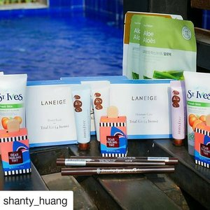 "#Repost @shanty_huang (@get_repost) ・・・ #Giveaway  Ada 3 paket hadiah untuk 3 orang yang beruntung : 🌸Laneige trial kit skin care 🌸Etude House Drawing My Brow 🌸St.Ives apricot scrub 🌸Innisfree Jeju Volcanic Clay Mask 🌸Etude House Dear Darling Tint 🌸THEFACESHOP mask sheet  How to Join : 1. Follow instagram dan channel Youtube Aku Shanty Huang (aku check ya) 2. Share pertanyaan kalian untuk aku tentang apapun ""NO SARA"" Di foto ini 3.1 account untuk 1 pertanyaan 4.Share Foto ini dan Tag 3 teman kamu untuk ikut giveaway ini  Giveaway closed 13 November 2017 Thank you 😚😚😚 #shantyhuanggiveaway #giveawayindo #minigiveaway #beauty #beautyblogger #indonesia #indonesiabeautyblogger #clozetteid #clozettedaily #instapic #instadaily9 #Repost"
