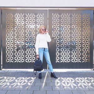 How's your wednesday? Guess we all wish we could skip tomorrow and the day after -straight to the weekend 😎 . #cheapskatestyle is back! . Outfit details: Sunnies: @shopee_id Rp. 30rb Sweater: @hm Rp. 68rb Pants: @zara Rp. 170rb Shoes: @hm Rp. 102rb Backpack: @zara Rp. 170rb  Total spent: Rp. 540rb . How to get them so cheap? read my highlighted Instastory. But it's impossible to get those cheap price in Indonesia! Nah.. if you know where and when to buy them, you'll get them. I'll tell more in Instastory (ASAP when I have the time). . . #clozetteid #clozettedaily #OOTD #OOTDID #ootdindo #OOTDIndonesia #ootdidku #lookbook #lookbookindo #fashion #FOTD #fashionblogger #streetstyle #vscocam #fblogger #style #fashionista #picoftheday #WIWT #instafashion #styledootd #styleinspo #fashioninspo #ootdinspo #dailylook #outfitideas #stylemurmer #springoutfit #MOTD
