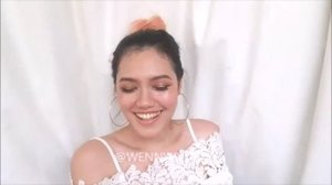 How I made my #fakefreckles using: -Matte brown eyeshadow -Cotton Bud -Toothpick  Full video is on youtube (only 3 mins tho), link in bio  #clozetteid #makeup #naturalmakeup #summermakeup #bblogger #motd #fotd #asianbeautyvlogger #indonesianbeautyblogger #beautybloggerindonesia #beautyvlogger #freckles #makeupaddict #makeupjunkie #tampilcantik @tampilcantik #bunnyneedsmakeup @bunnyneedsmakeup #wakeupandmakeup #makeuptutorial #tutorialmakeup #fakefrecklestutorial #indobeautygram @indobeautygram #ivgbeauty #frecklestutorial #makeuptutorialindonesia #bvloggerid #makeupclips #makeupvideos