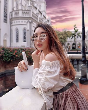 Hold on to what is lovely, what is noble. Chase after the things hope has set the heart to do. Find the ligt in simple things. Seek joy in new terrains welcome signs of growth and forever be changed. 💕 — Nail Stickers from @dashingdiva_jkt  Sunnies from @caringlasses_official  Sabrina Top from @sukithelabel @loveandflair  White Bag from @amazara.id #PriStyleDiaries #ThePetiteMissyTravels 📸 @ariefwijaya94 . . . . . . . . . . #whatiwore #chic #romantic #womensfashion #fashionistas #travelblogger #ootdinspiration #lotd #fashionblog #bloggerstyle #fashion #wiwt #styleinspo #instastyle #blogger #ootdfashion #ootd #styleblogger #blogger #fashionblogger #outfitoftheday #fashioninfluencer #singapore #singaporeblogger #style #outfit #clozetteid