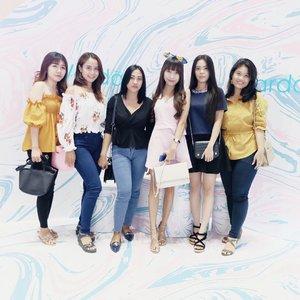 Hey guys — Thank you for coming ! 🙌🏻 See you next time, kay 🌻 . . #WardahDays2018 #AnInspiringBeautyDiscovery #ForYourUnstoppableMove #WardahXPopbela . . . #clozetteid  #potd  #ootd  #ootdfashion  #ootdshare  #friends  #friendshipquotes  #together  #togetherness  #photography  #photooftheday  #photoshoot  #blogger  #bloggerlife  #bloggers  #bloggersurabaya  #bloggerjakarta  #influencer
