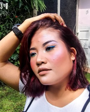 . Show your sparks, they said. But i'll prefer to show my lights. 😎😎 . Highlighter : Catrice Arctic Glow Highlighter From @mybeautypedia.id . #clozetteid #beauty #selfie #makeup #motd #highlighter #onfleek #slay