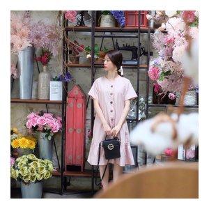 Life is too short to wear Boring clothes 👗 @hisae883 . #ootdindo #instastyle #fashion #stylefashiondaily #fashionaddict #lifestyleblog #bloggerstyle #koreanlook #asiangirls #lookbook #lookbookindo #ootdindo #styleblogger #fashionpost #styleinspiration #dailystyle #dress #ootd #style #clozetteid  #셀스타그램 #팔로우 #오오티디 #패션 #데일리 #일상 #데일리 #whatiwore #ootdmagazine #exploretocreate