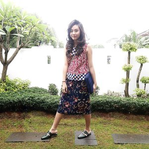 Prints clashing is good for your soul 🎏  #clozetteid #ootd #igstyle #personalstyle #postthepeople #lookbook #iwearbatik