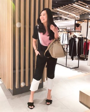 Sunday = family day = fun day. Don't you love my two-toned pants? This whole outfit is from @basix.id . Check them out for versatile clothes as well as statement pieces!  #clozetteid #ootd #sundayootd #stylebook #outfitgram #indonesianblogger #lookbookindonesia