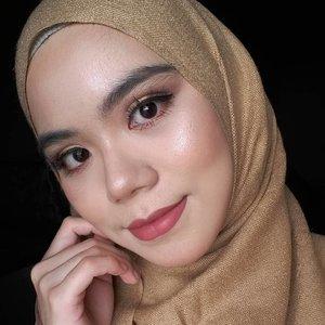 💐 Simple Glam Makeup Look #hijab #hijabi #hijabstylist #beautygram #beautyaddict #beautyblog #beautyblogger #indobeautygram #makeupinspiration #makeuplook #glammakeup #clozette #clozetteid