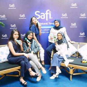 Meet these my girls 💙#clozetteID #Siltaliburan #fashionhijab #fashion #fashionable #fashionkorea #fashionblogger  #ootdhijab #OOTD #hijapstyle #hijapstyle #inspirasiootdberhijab #dailyhijabootd #MauGayaItuGampang #lifestyl #safibloggergathering #safixbeautynesia #halalnaturalteruji