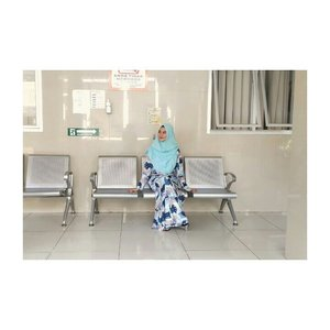 Cepet sembuh untuk semua insan yang sedang menjalani ujian sakit, semoga menjadi penggugur dosa dan sehat kembali seperti sedia kala 💕 😇 (lagi bener efek batuk pilek)  #hestistyle #photooftheday #clozette #clozetteid #hijabers #hijabfashion #hijaber #hijabku #hijabersindonesia #hijablove #hijablook #dressmuslimah #dressyari #ootdhijabindo #ootdhijab #ootdfashion #hootd #hijaboutfitoftheday