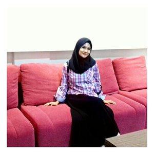 #womanlikeme #womans #womanhood #womanslook #womanizer #lifestylemodel #lifestyleguide #lifestyler #lifestyleblogger_de #lifestyles #influencermarketinghub #woman #portrait #lifestyle #ootdhijabindo #ootdhijab #hestistyle #hootd #hijabfashion #hijabers #ootd #clozette #clozetteid