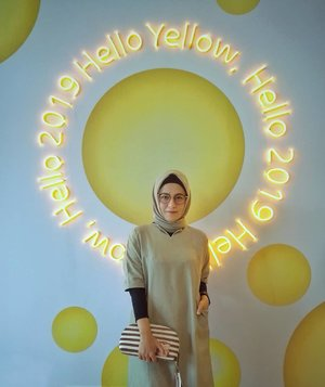 Hello 2019, Hello Yellow....#ClozetteID  #ShoxSquad #personalblogger #personalblog #indonesianblogger #lifestyleblog #Hijab #likeforlikes