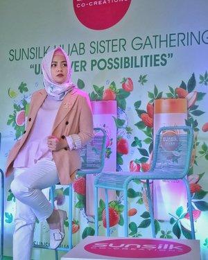 Mau tau Cerita lengkap mengenai Sunsilk Hijab Sister Gathering : Uncover Possibilities kemarin. Yuk klik link blogspot ku di bio ku yaa.#clozetteID #SunsilkHijabSister #UncoverPossibilities #Blogger